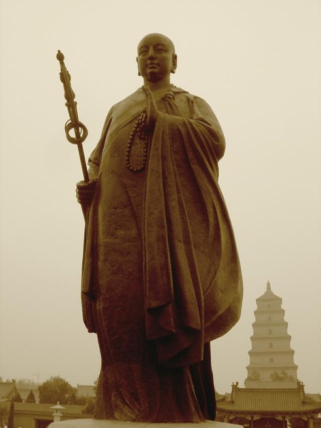 大雁塔南广场唐三藏雕塑