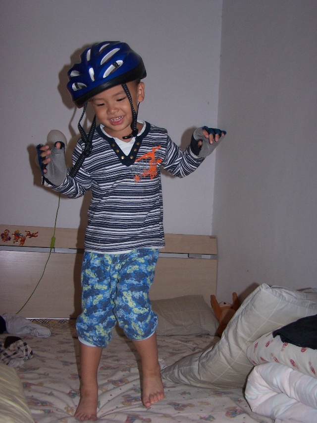 偷玩妈妈_偷玩妈妈单车装备的动感小鲁