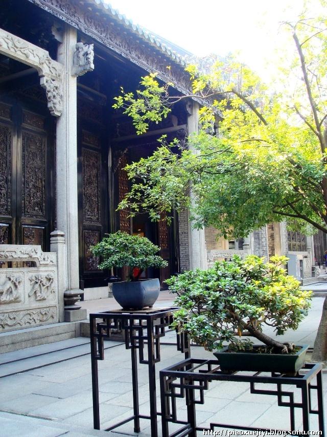 岭南建筑雕塑艺术的繁复之美 广州陈家祠