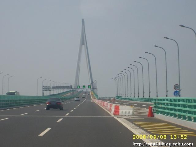 杭州弯跨海是什么形状、什么结构