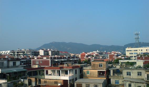 屋顶电信信号塔图片