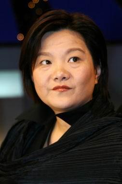 金庸武侠版陈凯歌:老婆陈红竟是好友6年同居女