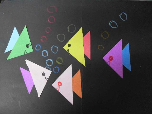 小鱼三角形简笔画