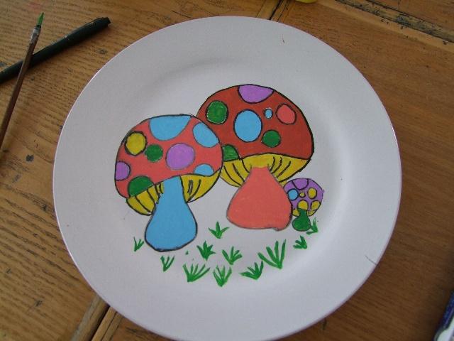 在盘子上画的好看-美丽的盘画