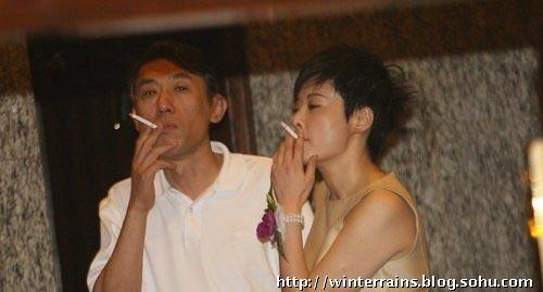 k歌头像女生抽烟