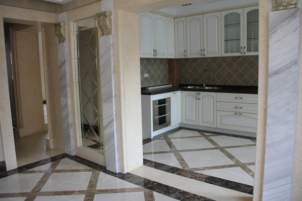 厨房,白色欧式壁橱,很搭配!